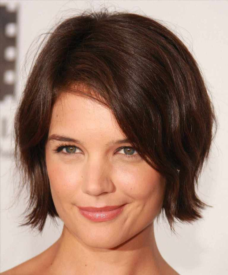 15 Short Hairstyles for Double Chin Faces