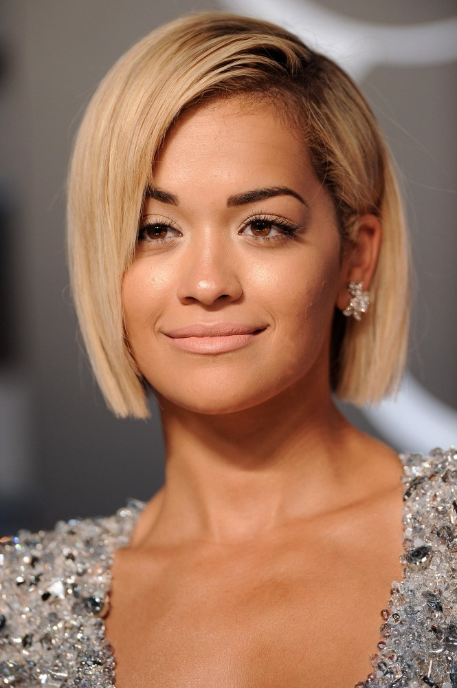 Sleek Blonde Bob Hairstyle