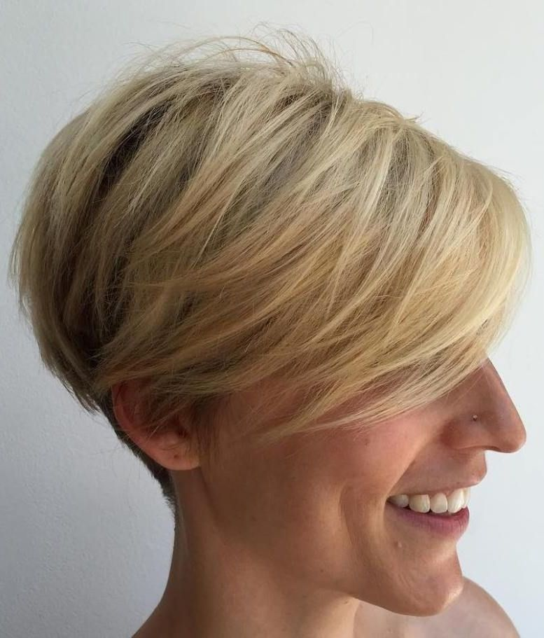 Side Comb Short Hairstyle