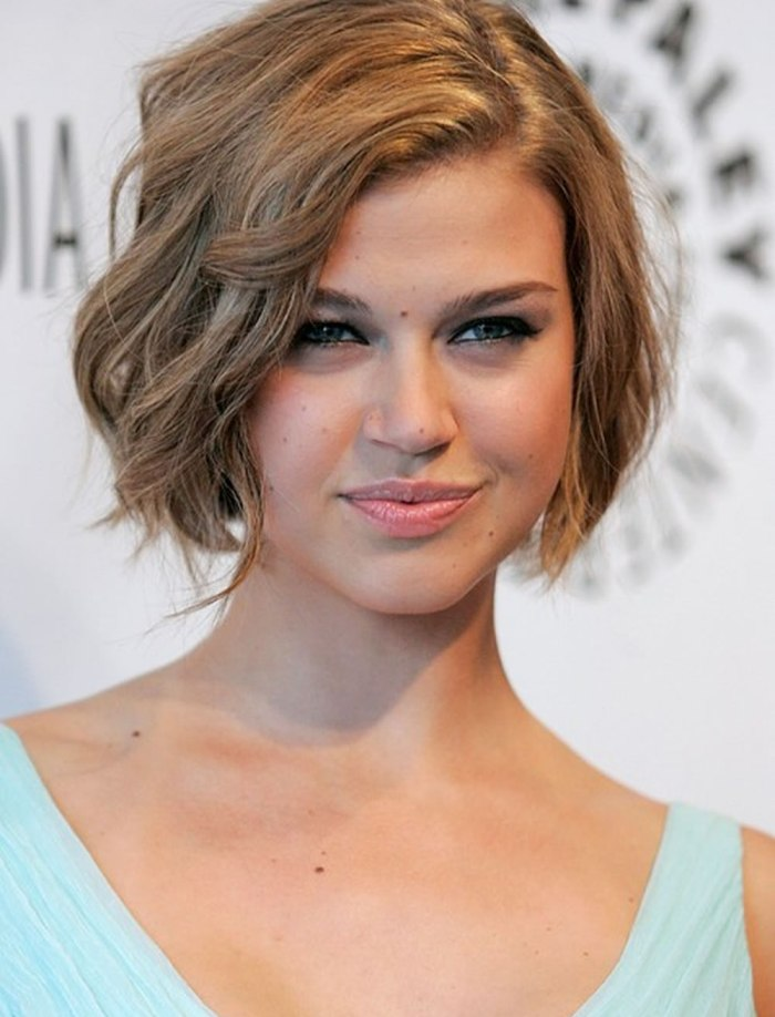 Layered Wavy Short Bob Hairstyles