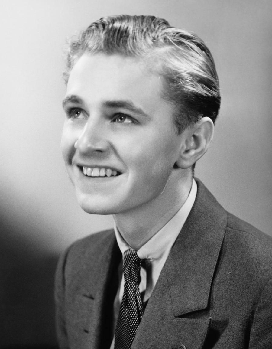 classic 1950s mens hairstyle