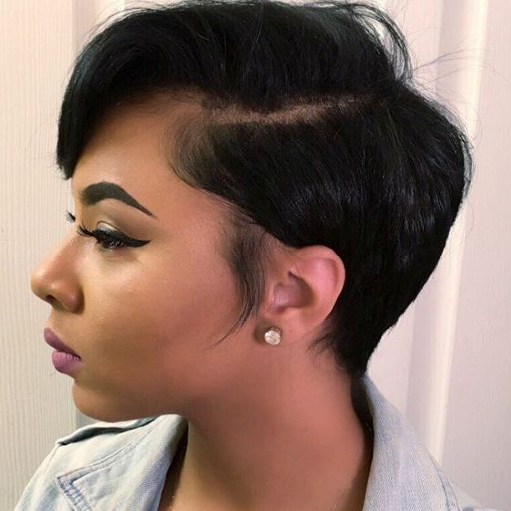 Side Part Comb Short Hairstyle