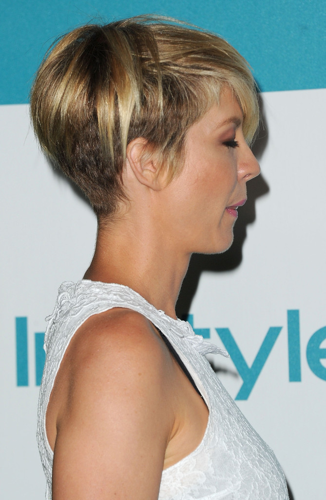 15 Gorgeous Razor Cut Short Hairstyles for All Types of Hair ...