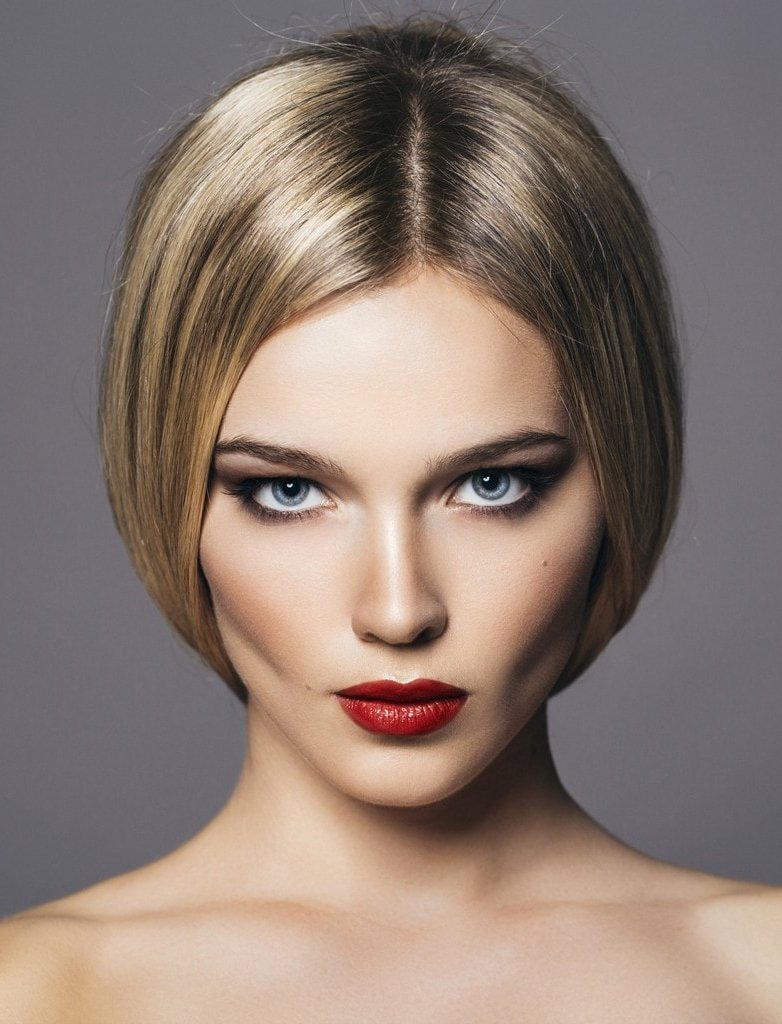 Center Part Straight Bob Haircut