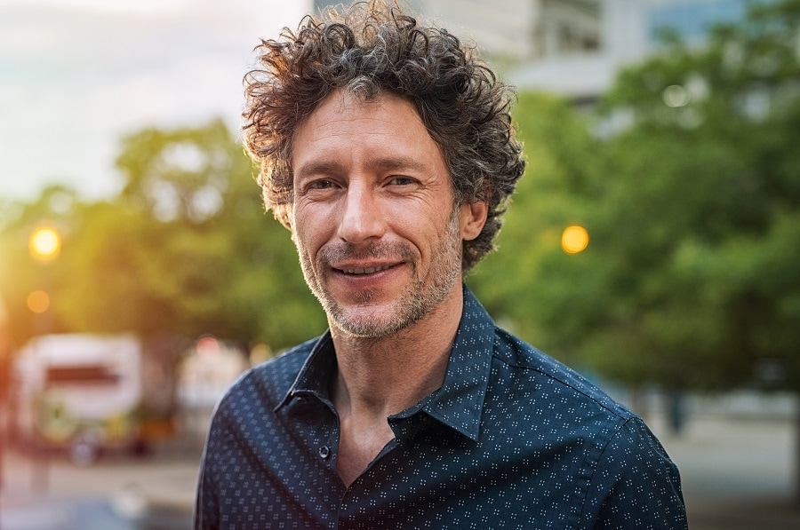 curly hairstyle for men over 40