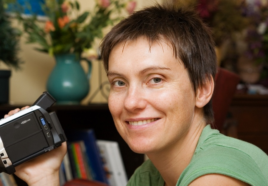 woman with low maintenance short hair