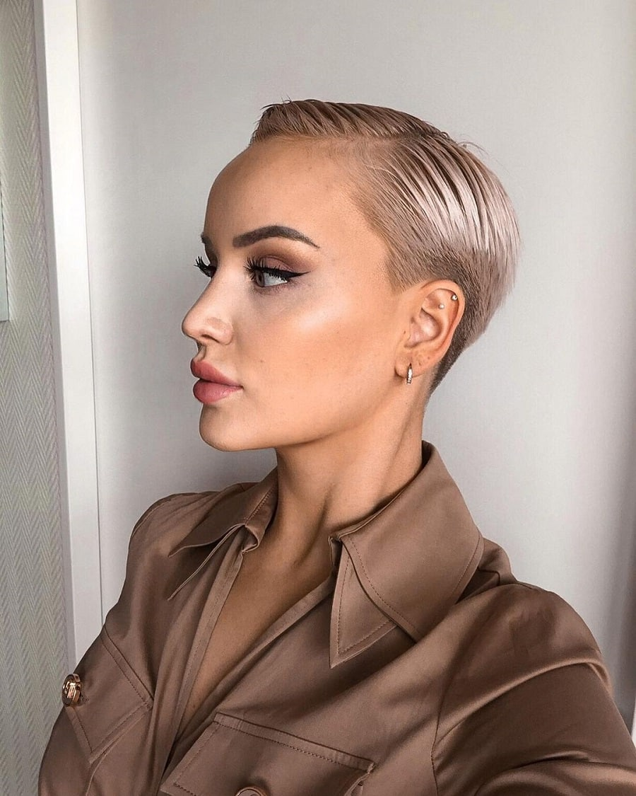 short thin hairstyle with side part