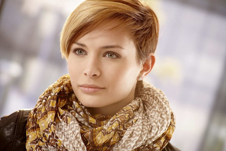 popular short hairstyle for thin hair