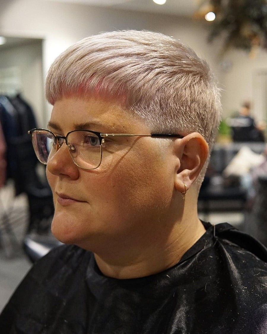 short hairstyle for double chin