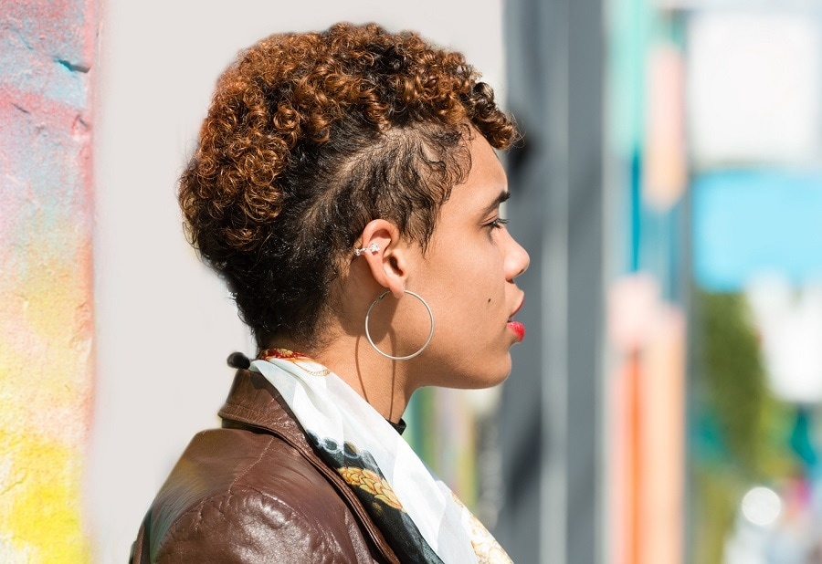 curly short hair undercut with highlights