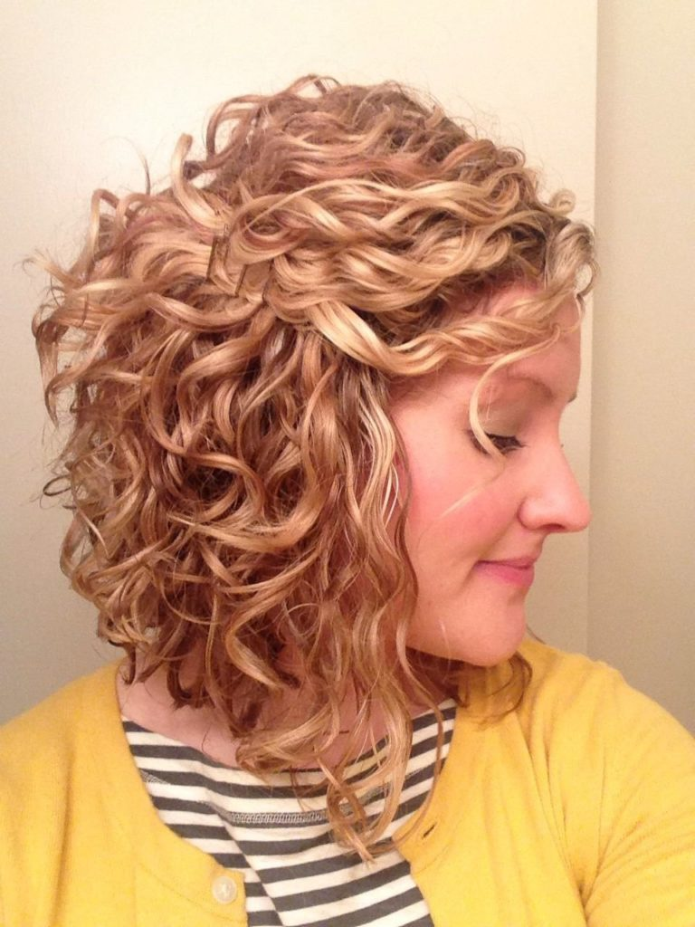 Curly Inverted Bob Short Hairstyle