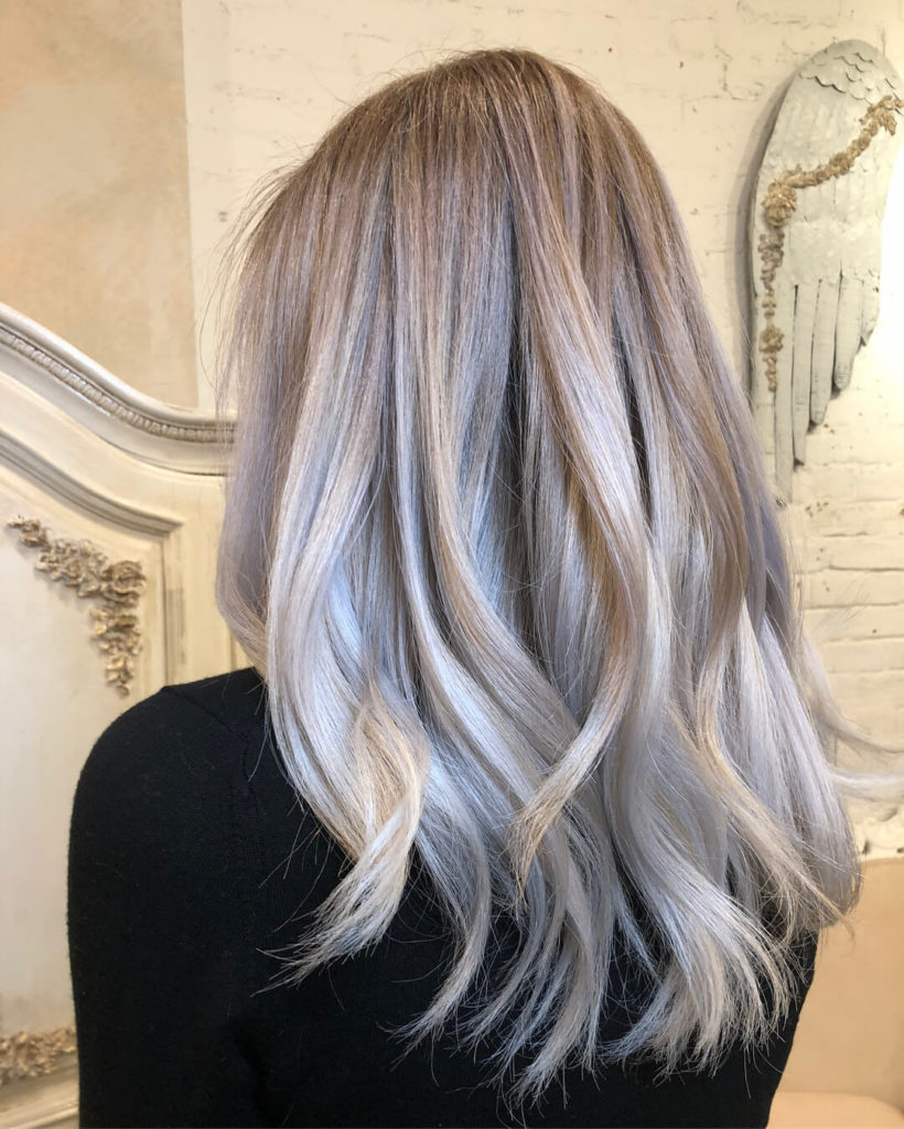 Medium Balayage Ombre Wavy Hairstyle