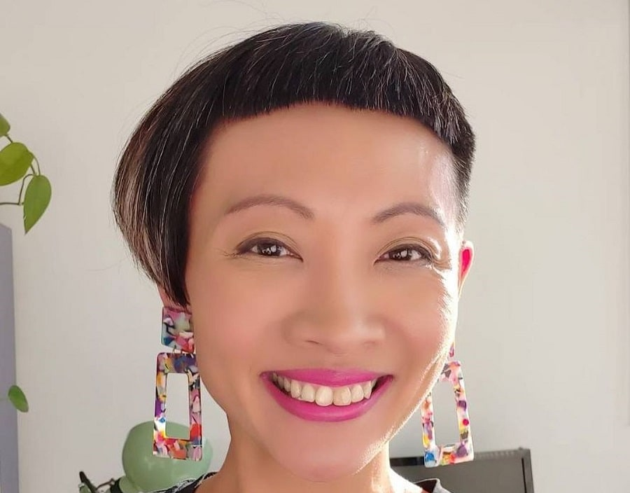 asymmetrical hairstyle with short bangs