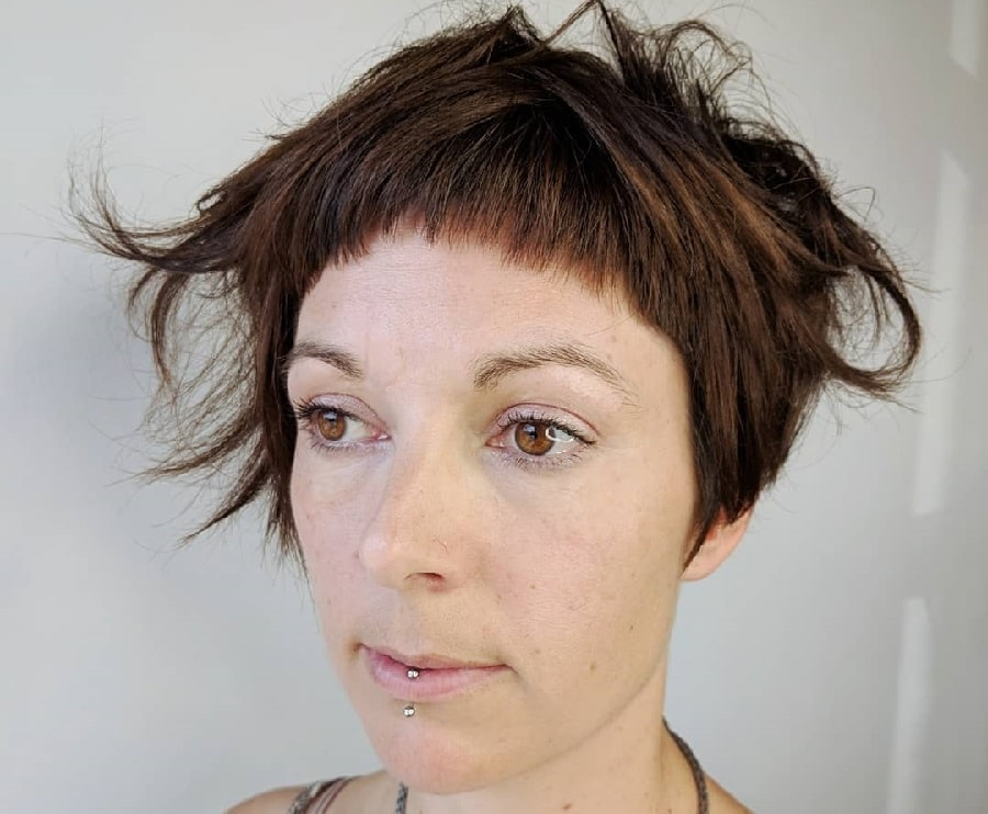 short and messy asymmetrical hairstyle