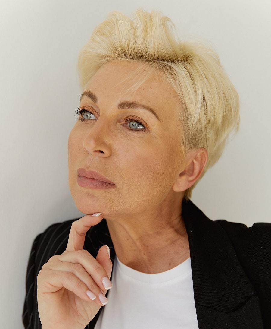 short cropped hairstyles for older ladies