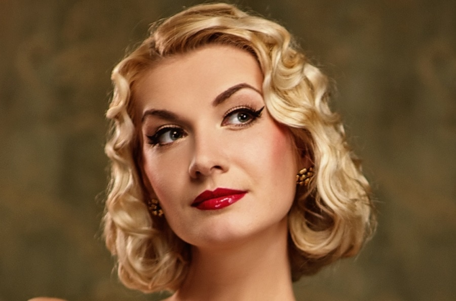 short thick blonde bob with finger wave