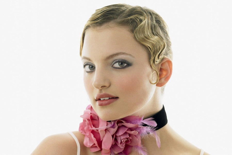 crop short hair with finger wave