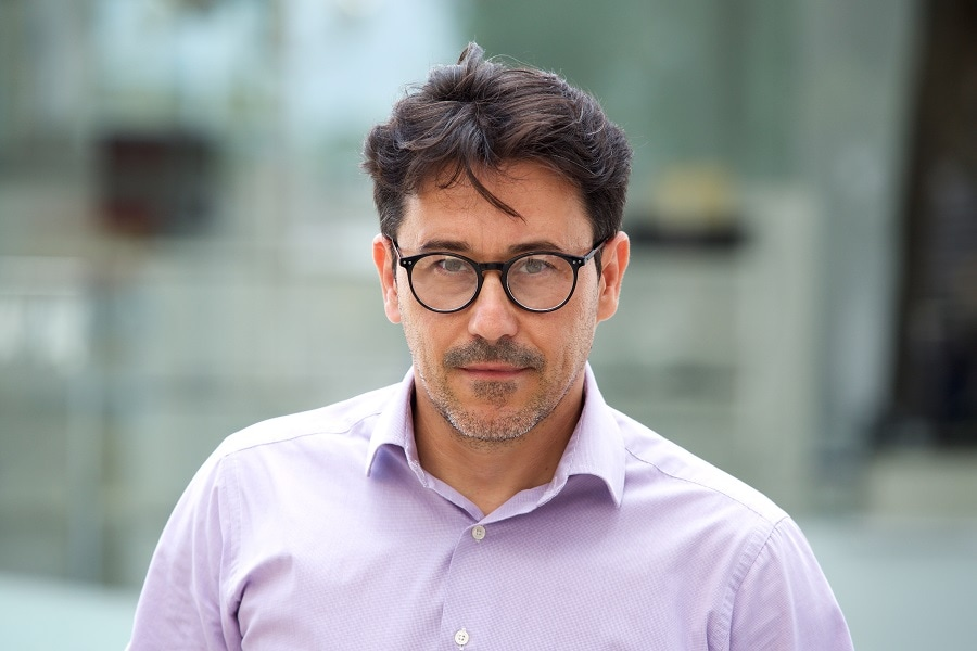 older men hairstyle with glasses