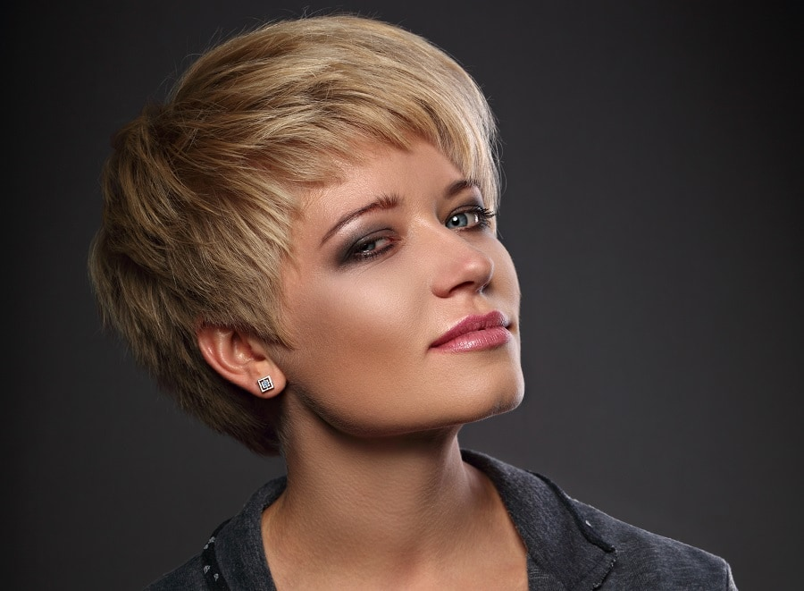 short blonde pixie cut for professional look