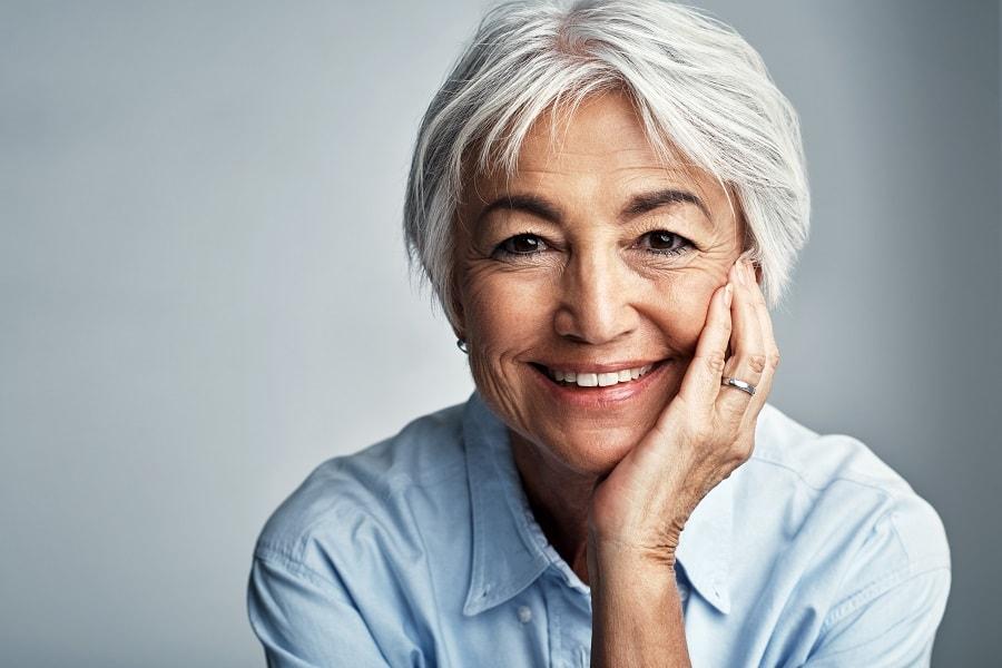 older women short hairstyle