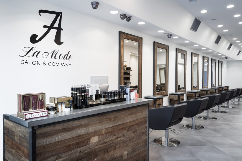 A'La Mode Salon & Company
