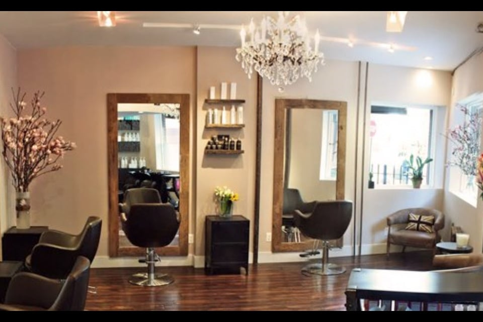 Allure 13 Salon