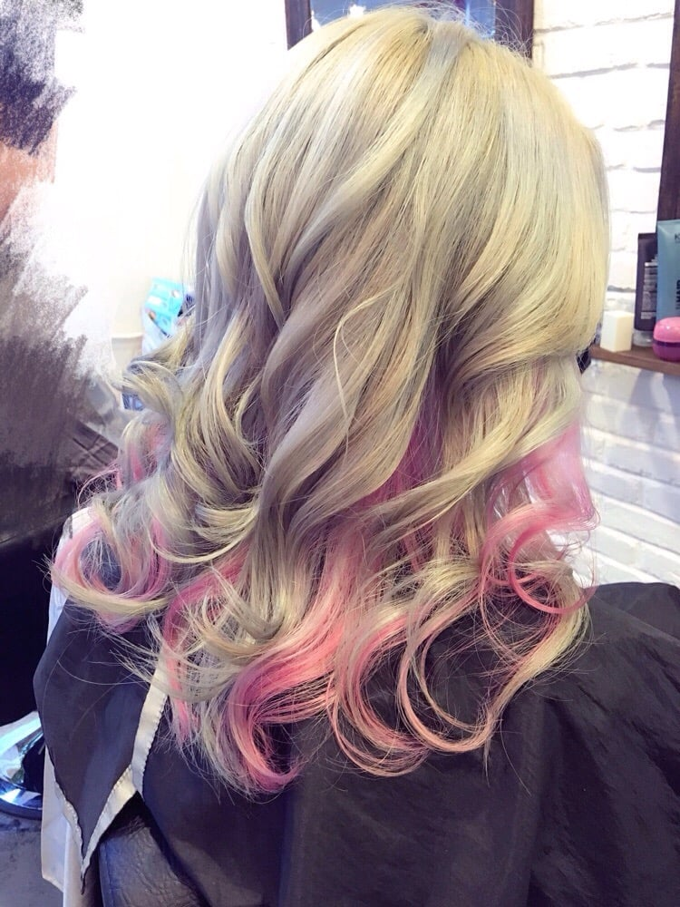 Blonde Hair with Pink Highlight