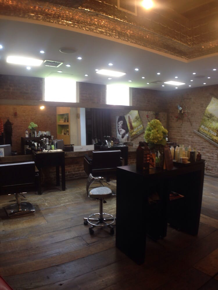 GiGi Salon Styling Studio - Aveda Concept Salon