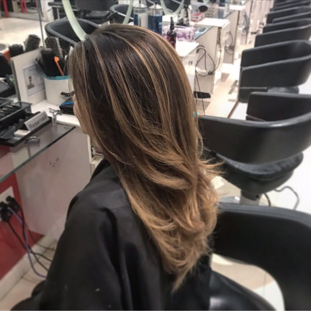 Medium Wavy Balayage Hair