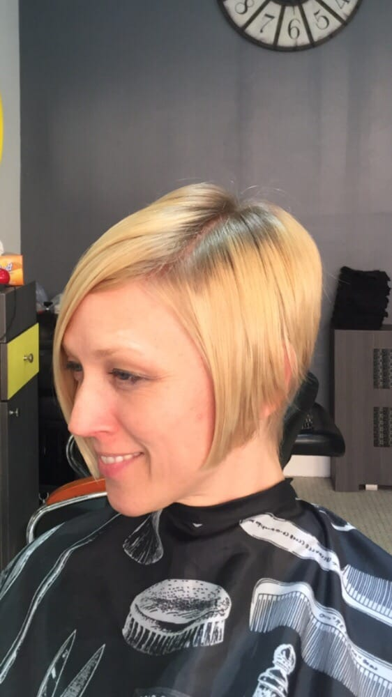 Side Part Inverted Bob Hairstyle