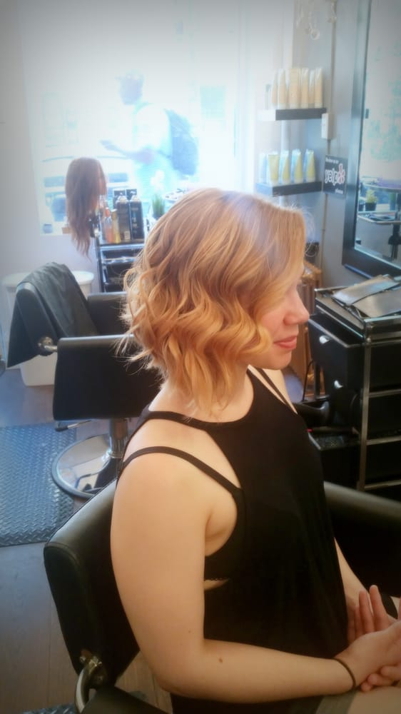 Wavy Short Hairstyle
