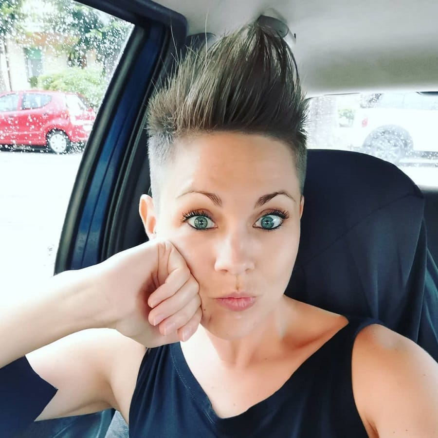 short quiff hairstyles for women