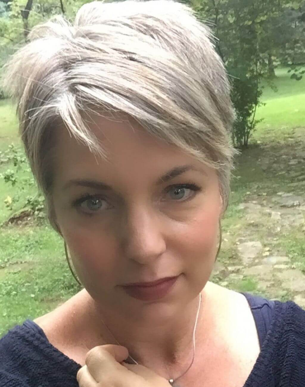 10 Grey Short Hairstyles for Women