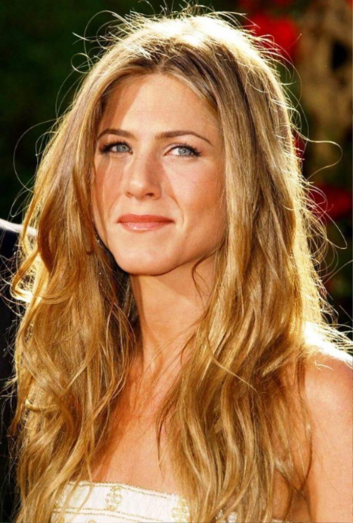 Jennifer aniston wavy hairstyles — pic 9