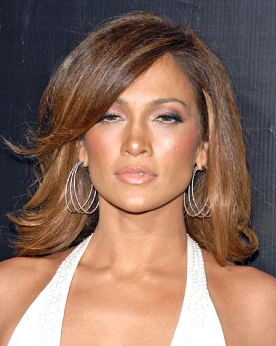 Jagged Cut shoulder length straight hairstyle