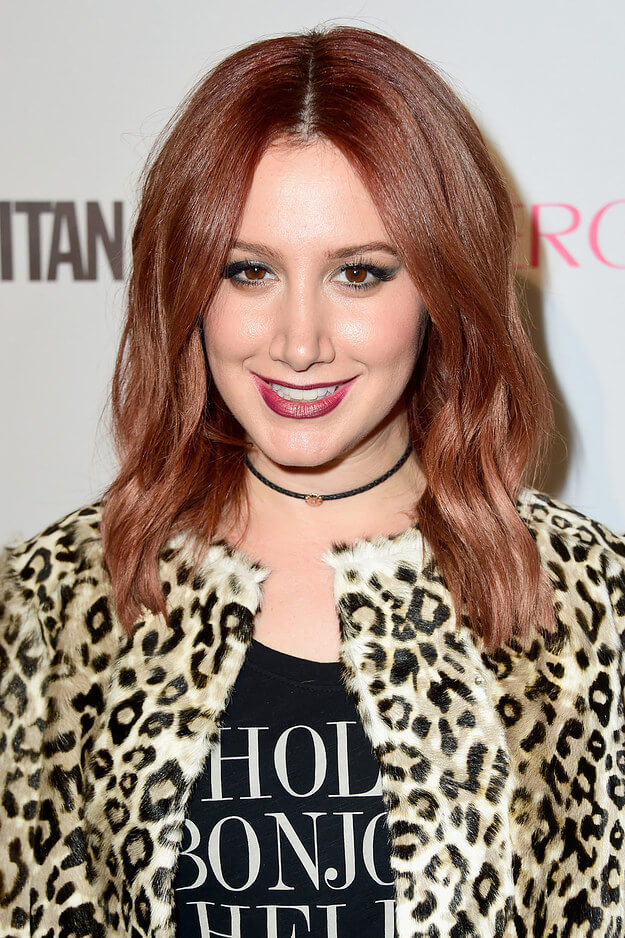 Low-Fuss, Middle Parted Long Wavy Hairstyle For Medium Auburn Red Colored Hair