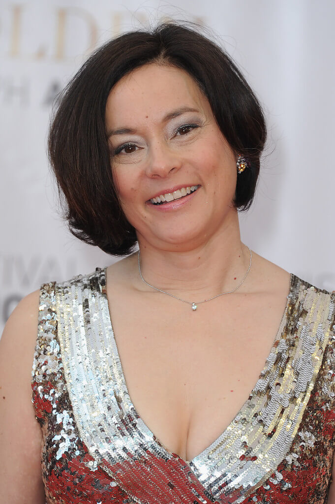 Hairstyles for Women Over 50 with Double Chin