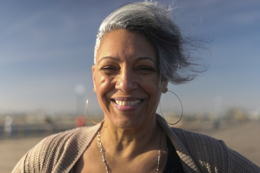 older black woman with gray hairstyle