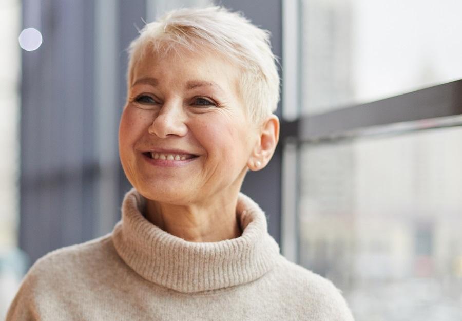 crop short hairstyle for older woman with round face