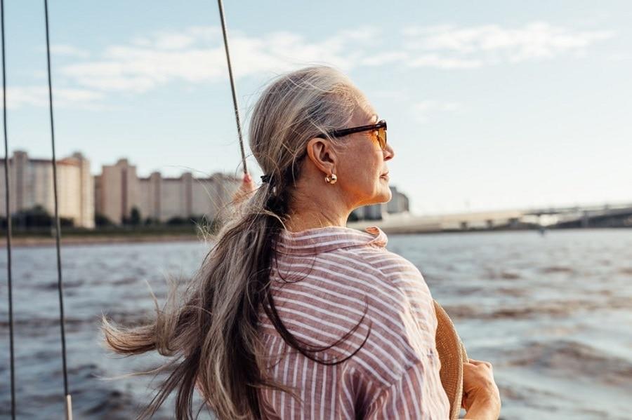 long hair ponytail for oldewr women