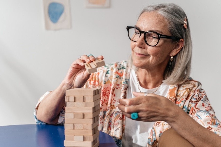 shoulder length hairstyle for older women