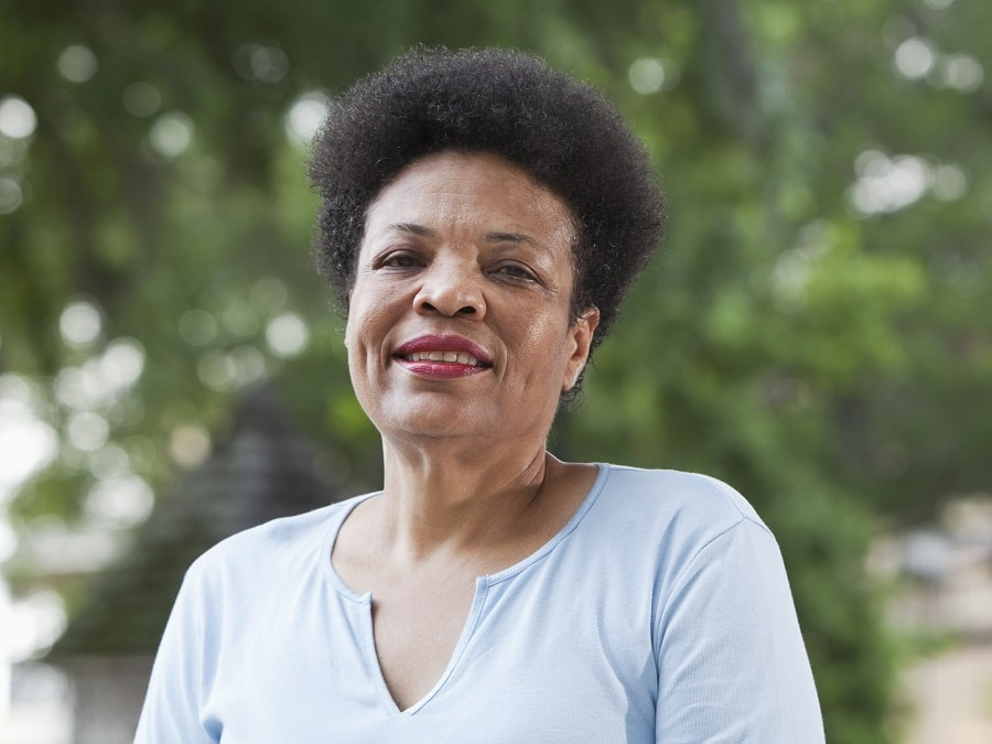 very short hairstyle for black women over 50