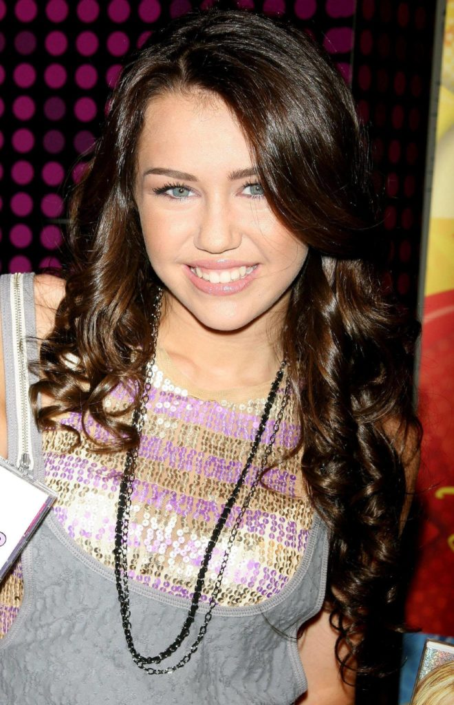 27 Miley Cyrus Hairstyles Inspirations