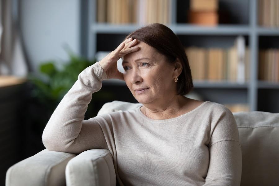 short brunette hairstyle for women over 50