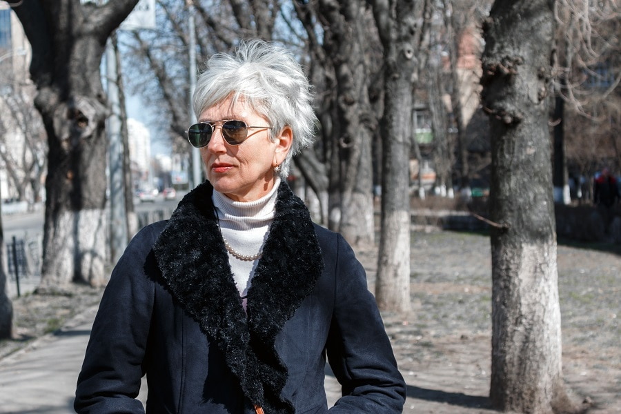 messy silver hairstyle for women over 50