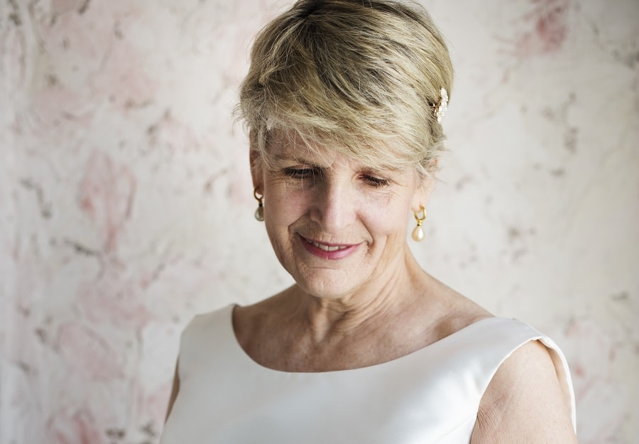 short wedding hairstyle for women over 50