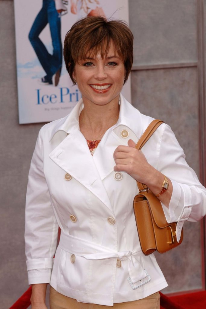 Top 15 Dorothy Hamill Haircuts and Hairstyles | Hairdo