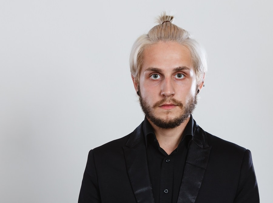 blonde guy with samurai hairstyle