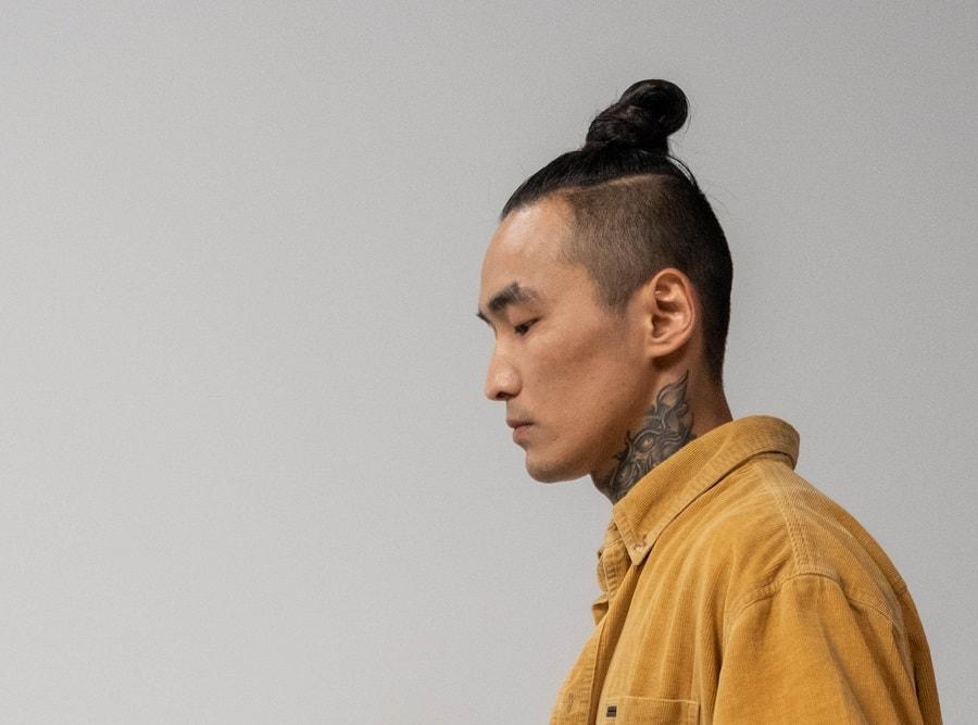 samurai hairstyle with undercut