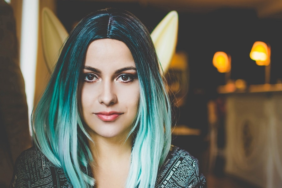 grunge hairstyle with green ombre hair